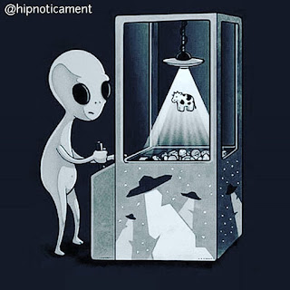 Alien playing sarcastic profile picture