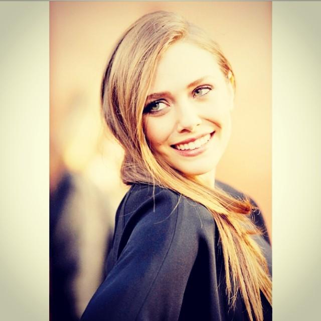 Elizabeth Olsen Exclusive Hot Photo Gallery