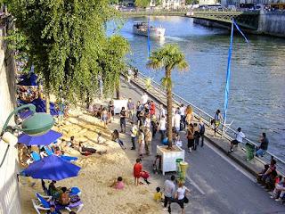 Las mejores playas urbanas del mundo. Playa urbana en Paris Francia a orilla del rio Sena