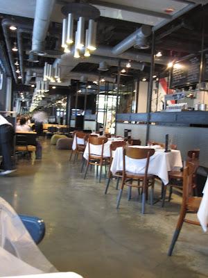 Bangkok, Greyhound Cafe