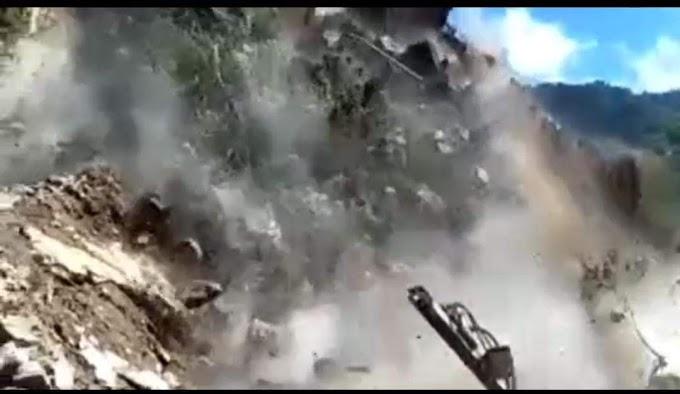 कोडियाला के पास हुआ जान लेवा लैंडस्लाइड दो जेसीबी मशीन दबी तीन लोगों की गई जान-वीडियो में देखें किस तरह गिरी पहाड़ी