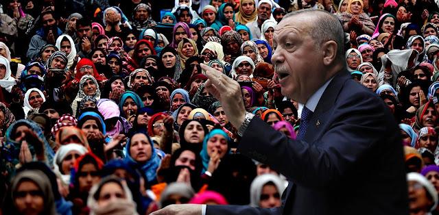 Σκληρή αντίδραση Ερντογάν στις επιθέσεις κατά γυναικών με μαντήλα