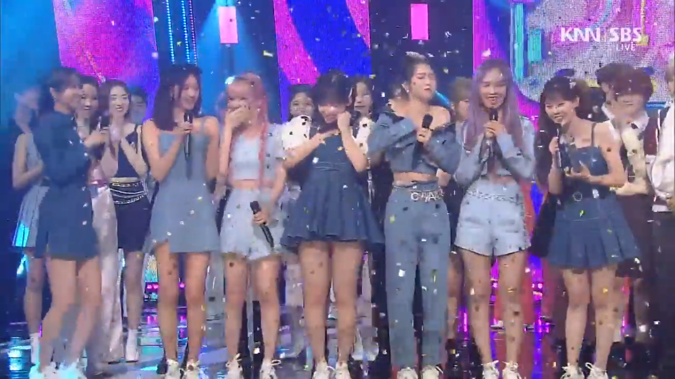 Oh My Girl Takes Home the 5th Trophy for 'NONSTOP' on SBS Inkigayo