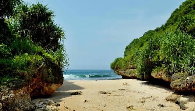 Pantai Srakung