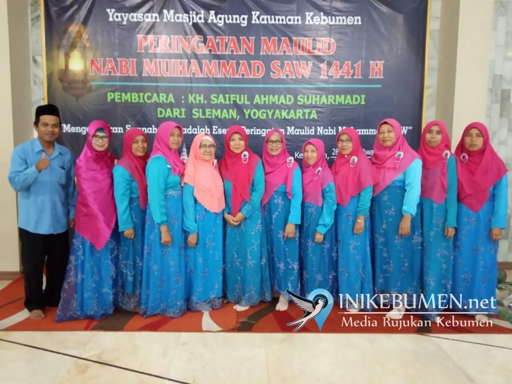 Al Istiqomah Meriahkan Peringatan Maulid di Masjid Agung Kebumen