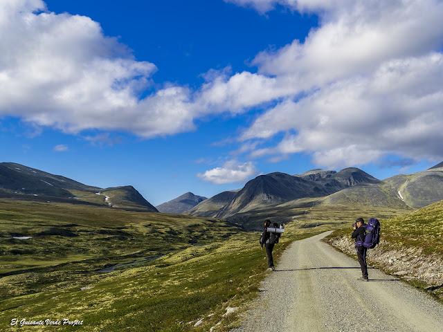 Sendero a Rondvassbu desde Spranget, Rondane - Noruega, por El Guisante Verde Project