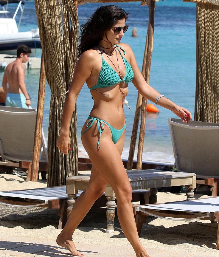 christina-mpompa-magio-bikini-mykonos-11