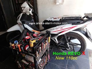 Cara pasang alarm motor Honda Revo X 110cc New