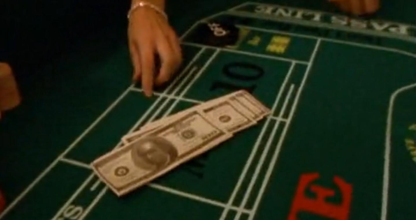 Деньги в казино кадр из фильма