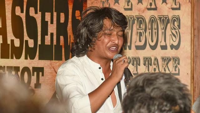 Digvijay Singh Pariyar performing live at R-Adda