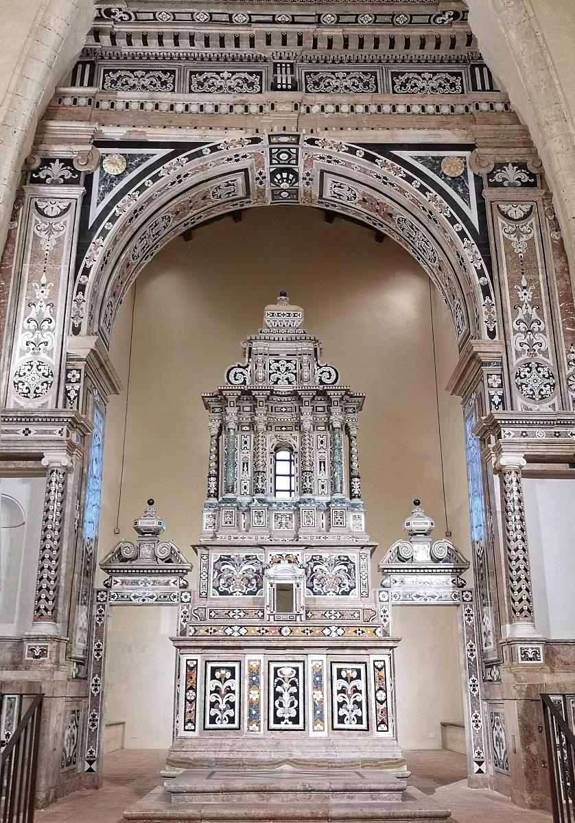 Gerace altare chiesa San Francesco