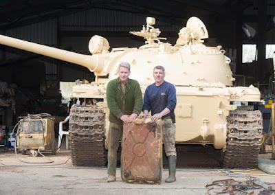رجل يشتري دبابة في موقع إيباي، والمفاجأة كنز ثمين بداخلها