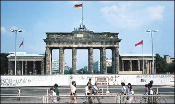 Nuovoanluc 308 pasqua 2016 a berlino - Berlino porta di magdeburgo ...