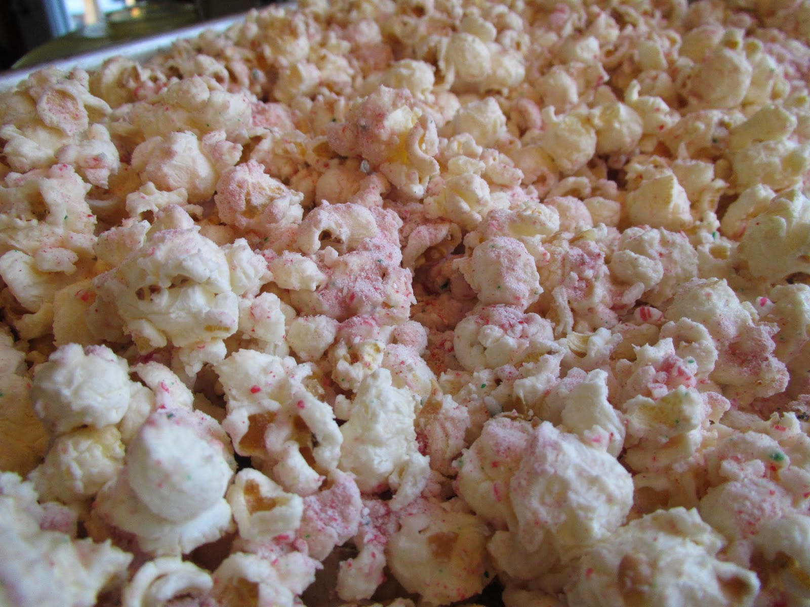 Gluten Free White Chocolate Peppermint Popcorn