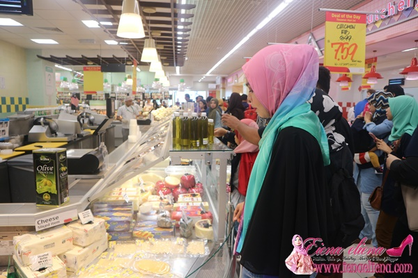 ruangan Lulu Delicatessen di Lulu Hypermarket
