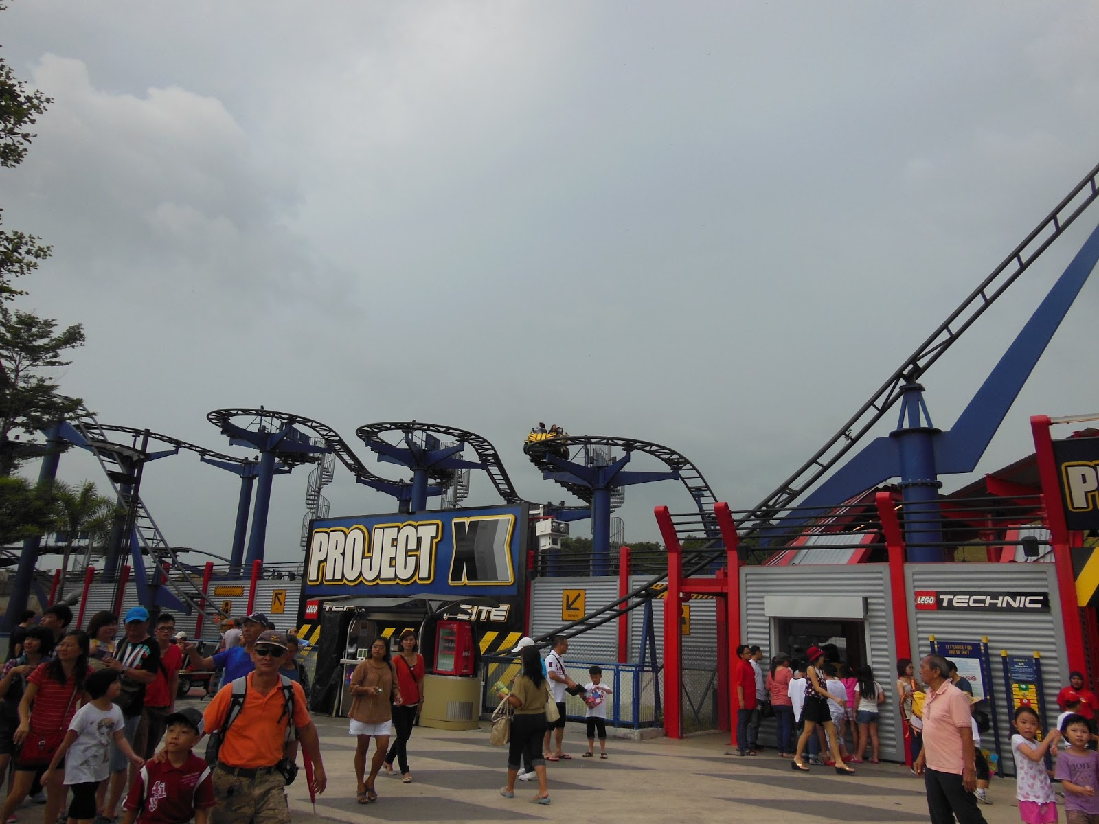 Me, My Life & My Interest: New Year's Eve at Legoland Malaysia