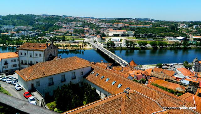 Coimbra e o Rio Mondego vistos do Pátio das Escolas da Universidade de Coimbra