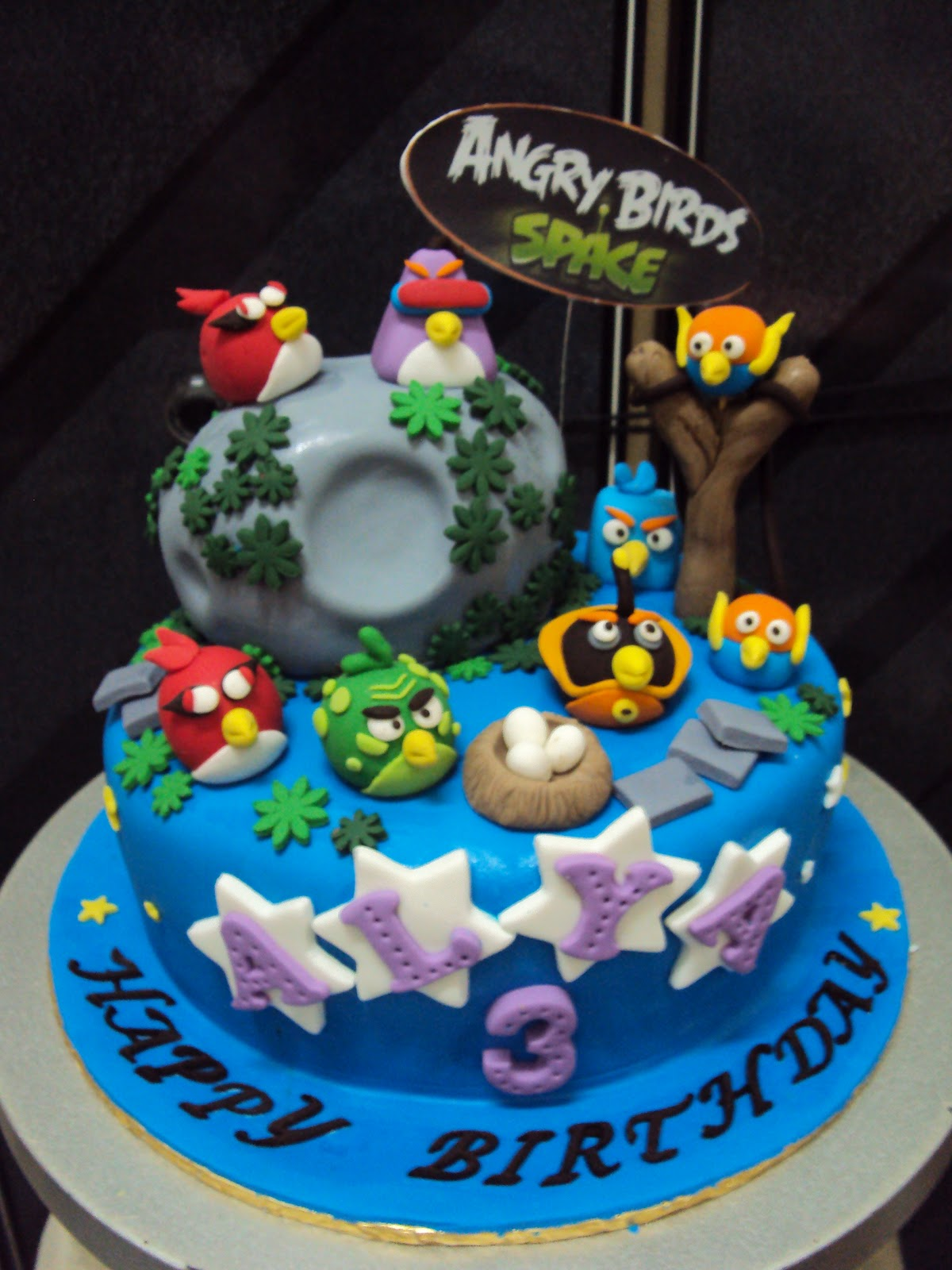 Best Party Cakes Angry Birds Birthday Cake