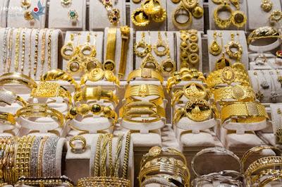 أسعار الذهب بالأسواق المحلية والعالمية اليوم السبت