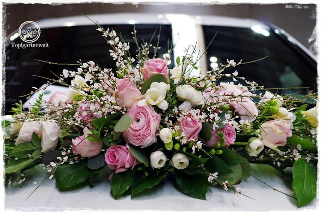 Gartenblog Topfgartenwelt Gartenmesse: Garten Salzburg 2017 Hochzeitsbouquet für das Auto mit rosa Rosen