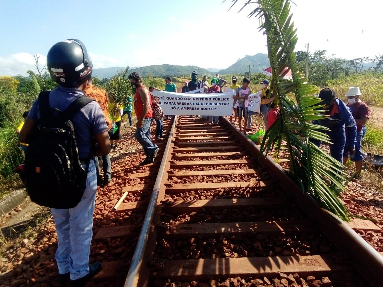 Parauapebas: Manifestantes desocupam linha férrea no bairro Nova Carajás