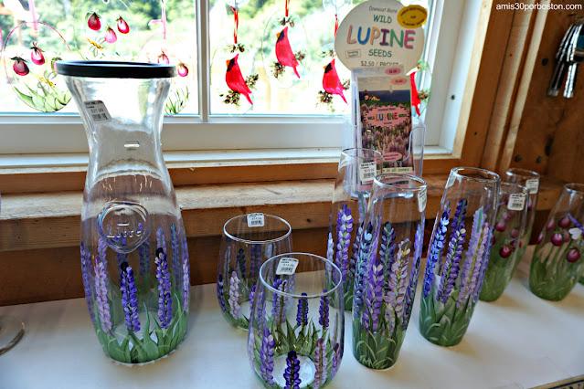 Artículos con Lupinos Land's End Gift Shop en Bailey Island, Maine