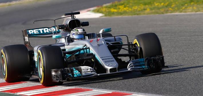 F1. Test Barcellona, giorno 3: Mercedes detta l'andatura con Bottas, ma la Ferrari è subito dietro