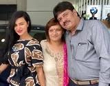 Aashka Goradia with her parents