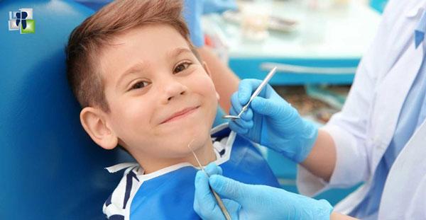 لمحة عامة عن فحص أسنان الأطفال