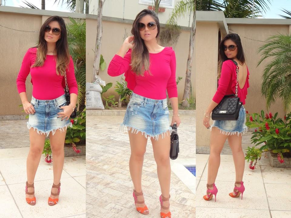 9020337c5b Blog da Janaina Honjoya  Look do dia  Saia jeans destroyed com Body ...