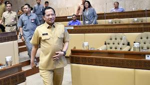 Pak Mendagri, Pecat Rektor IPDN!