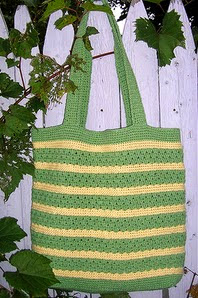 http://www.ravelry.com/patterns/library/stylin-tote-bag