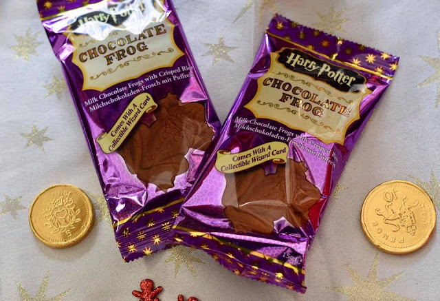 Harry Potter Gifts - chocolate frogs with wizard cards