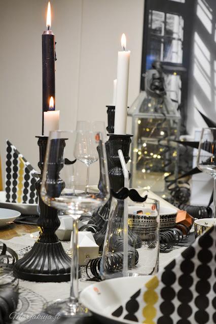 uusivuosi, kattaus, ruokailu, asetelma, kynttilä iittala astiat musta, vuosi vaihtuu