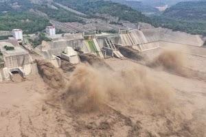 Bendungan China Rusak Parah Dihantam Banjir, Bisa Runtuh Kapan Saja