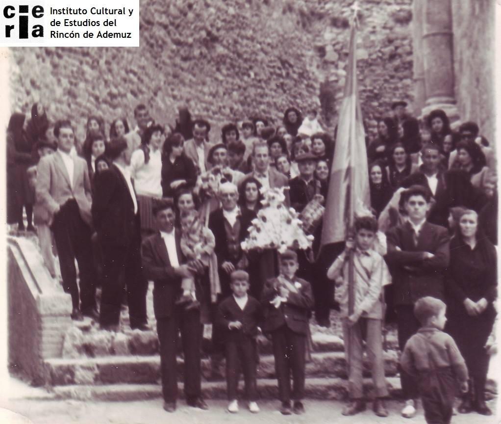 Resultado de imagen de Fiesta de la Cruz en Ademuz