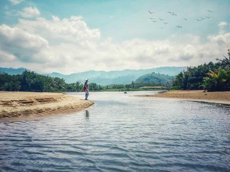 Pantai Sipelot Malang Selatan