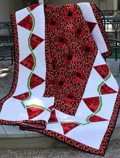 WATERMELON SLICE-WATERMELON QUILT-QUILT PATTERN-LAP QUILT-TWIN QUILT