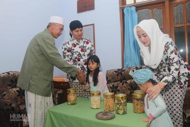 Jaga Tradisi Kupatan, Bupati Trenggalek Sowan Keluarga Bani Mesir