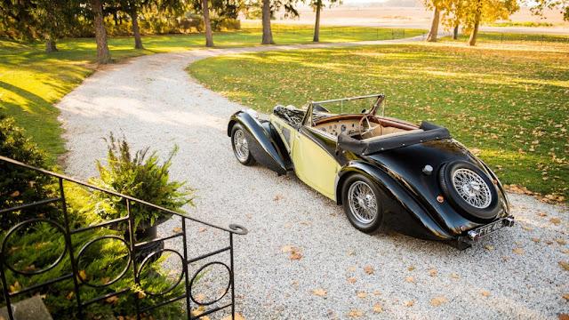 Bugatti Type 57S Cabriolet 1937 - Una carrocería delicadamente esculpida