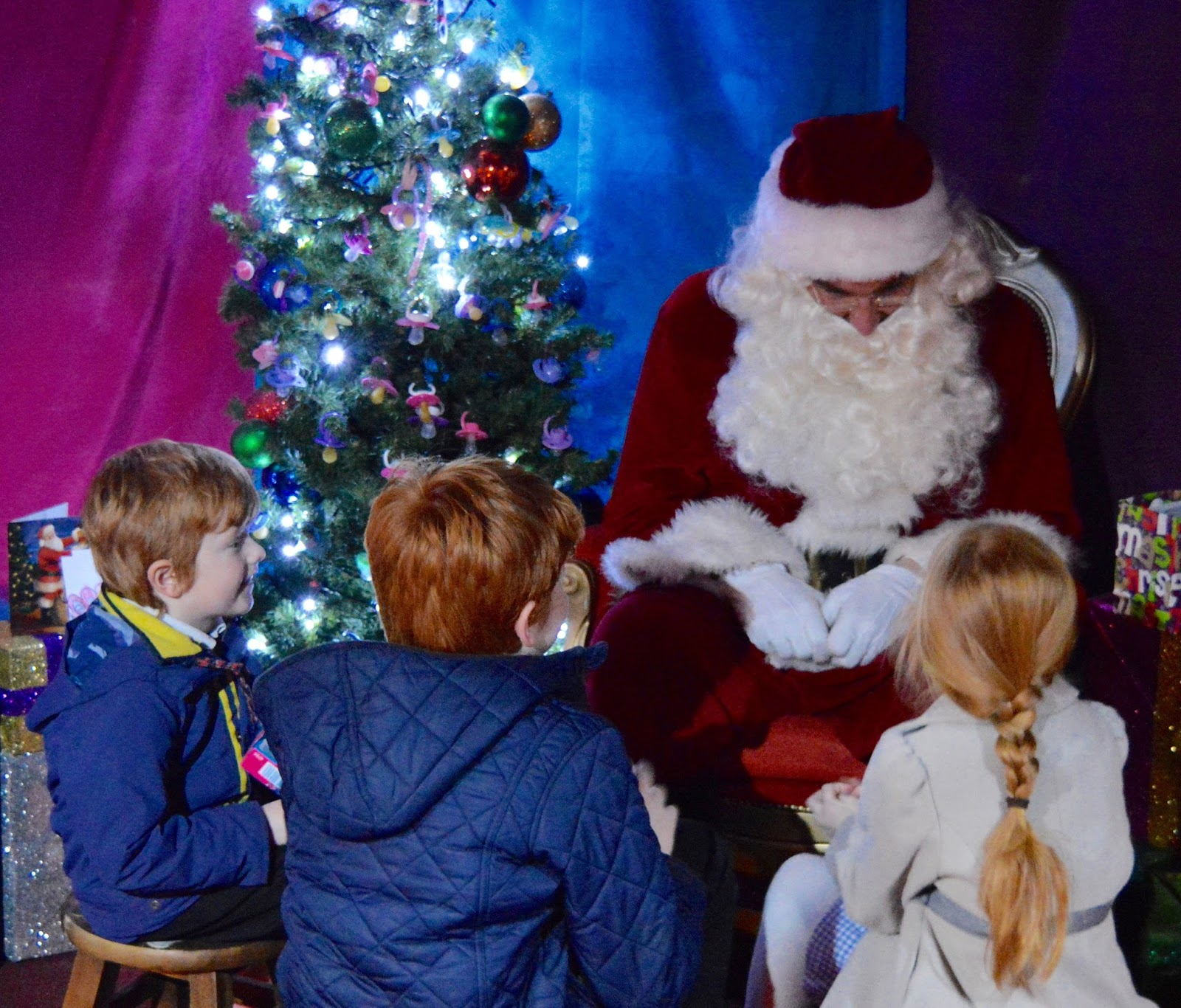 Visiting the FREE Santa's Grotto at intu Metrocentre | All You Need to Know including queue times, when's best to visit, your Playmobil Gift and photographs of Santa Claus
