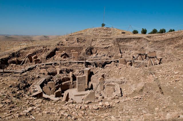 ما هو أقدم هيكل من صنع الإنسان؟