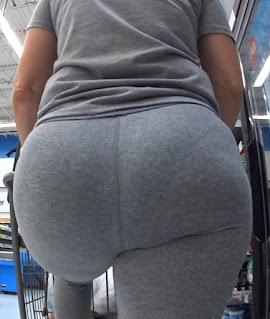 Mujeres sabrosas pantalones yoga pegados