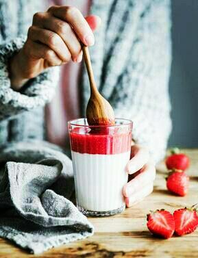 Vegan almond pannacotta with strawberry sauce