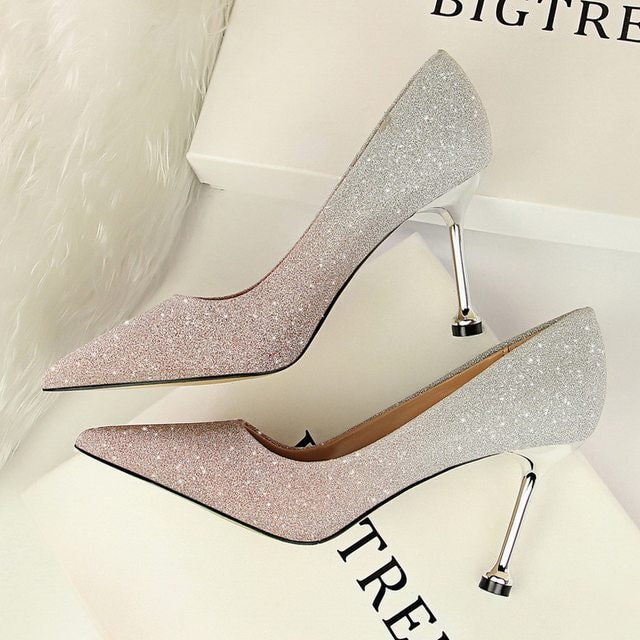 Pantofi de dama din piele naturala cu toc eleganti preturi mici modele noi 2021