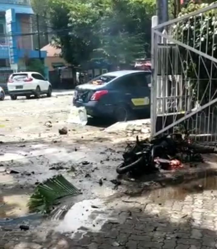 Inilah Video Detik Detik Bom Bunuh Diri Di Makassar