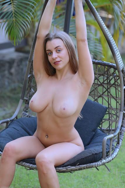Errotica-Archives seductive busty model Josephine C nude 9