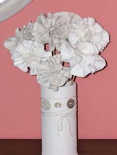 http://www.porcuatrocuartos.com/como-hacer-un-ramo-de-flores-de-tela/1025