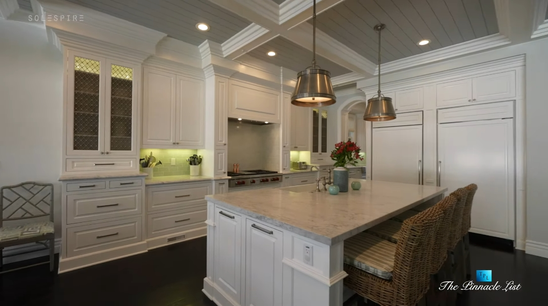 37 Photos vs. 1412 Laurel Ave, Manhattan Beach, CA Interior Design Luxury Home Tour