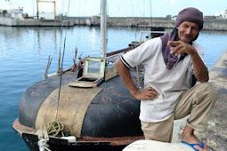 7 Bulan Terapung di Laut, Bagaimana Pria Paruh Baya Ini Hidup?